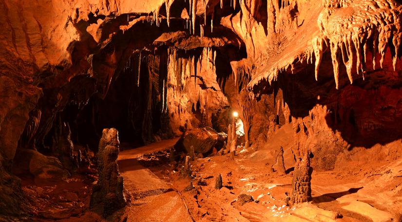 Okamenjeni vodopadi - raj za speleologe